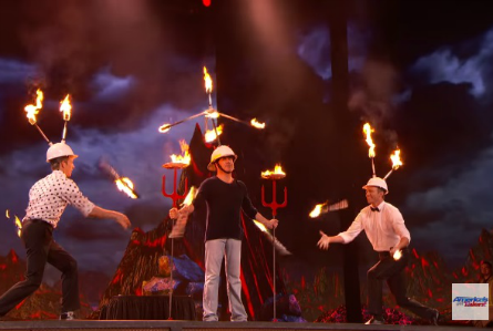 AGT 2016 finals The Passing Zone, Simon Cowell