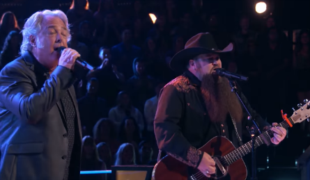 The Voice 11 Battles, Dan Shafer vs Sundance Head