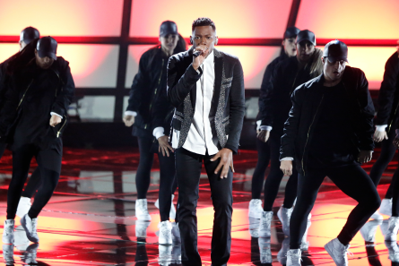 Voice 12 finale, Chris Blue