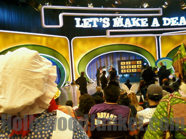 Contestants play a rare game on-stage as audiences look-on.