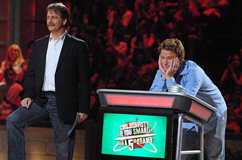 Same looking set for daytime shows. Above photo: host, Jeff Foxworthy with celeb contestant, Billy Bush from a previous prime time season.