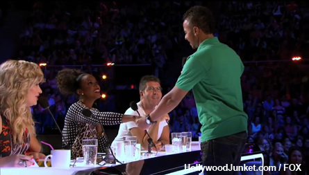Memorable X FACTOR moment - Wesley walked-up to Kelly and kissed her hand!
