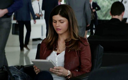 Alexandra Daddario in San Andreas movie