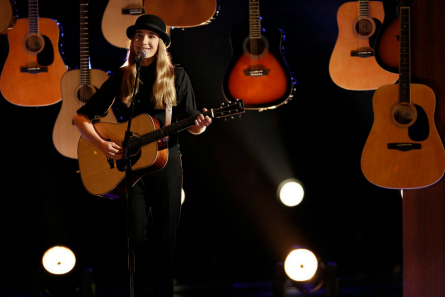 The Voice season 8 final four Sawyer Fredericks