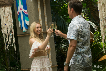 Bachelor in Paradise 4, Corrine Olympios and Chris Harrison