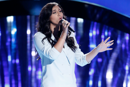 The Voice 13 Blind Auditions, Hannah Mrozak