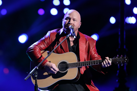 The Voice 13 finale night 1, Red Marlow